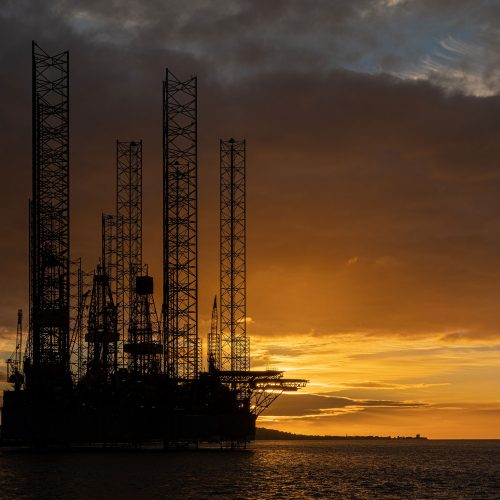 Dundee Oil Rig